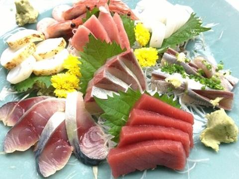 魚好き要注意!アニサキスアレルギーが増加?症状や治療法とは |