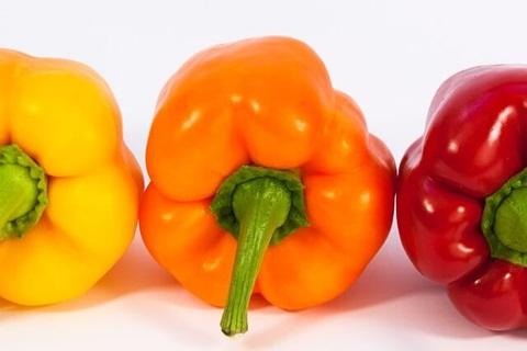 赤ピーマンとパプリカは違う?色によって違うパプリカの栄養と効能