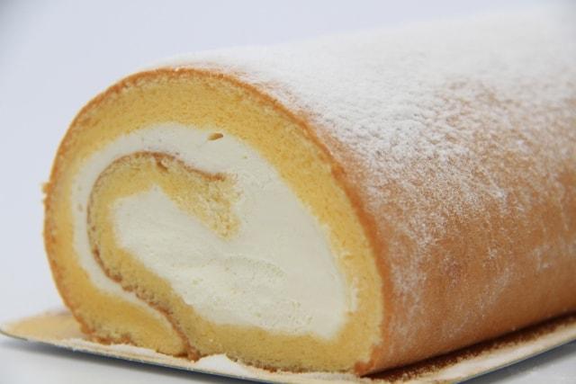 ロールケーキは冷凍できる?賞味期限は?コンビニケーキの冷凍方法や解凍方法